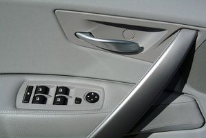 Comment supprimer un Thunderbird Panel Door 1995